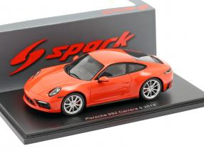 Porsche 911 (992) Carrera S year 2019 lava orange 1:43 Spark