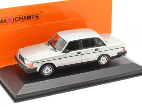 Volvo 240 GL year 1986 silver metallic 1:43 Minichamps