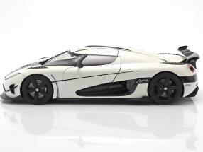 Koenigsegg Agera RS year 2015 arctic white / carbon