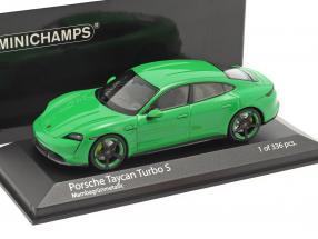 Porsche Taycan Turbo S Baujahr 2020 mambagrün metallic 1:43 Minichamps