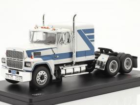 Ford LTL-9000 Sattelzugmaschine Baujahr 1978 weiß / blau 1:43 Ixo