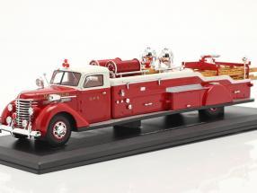 Diamond T City Service Ladder Truck Feuerwehr 1941 rot / weiß 1:43 AutoCult