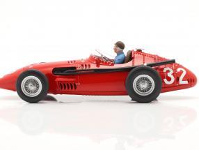 Sitzende Rennfahrer-Figur Juan Manuel  Figurenmanufaktur