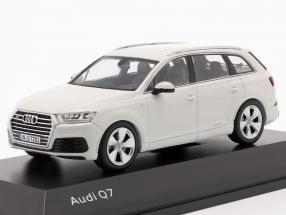 Audi Q7 Year 2015 glacier white 1:43 Spark