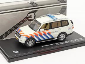 Mitsubishi Pajero Politie Netherlands 2013 white / orange / blue 1:43 Triple 9
