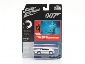 Lotus Esprit S1 James Bond The Spy Who Loved Me (1977) White 1:64 Johnny Lightning