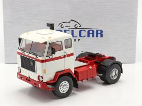 Volvo F88 Truck 1971 white / red 1:18 Model Car Group