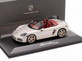 Porsche 718 (982) Boxster 25 Years GT silver metallic 1:43 Minichamps