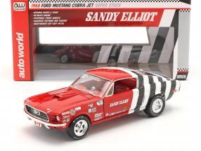 Ford Mustang Fastback Sandy Elliott 1968 red / white / black 1:18 AutoWorld