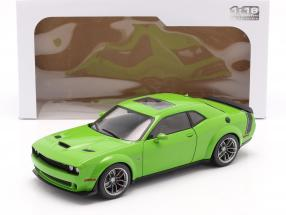 Dodge Challenger R/T Scat Pack Widebody 2020 grün 1:18 Solido