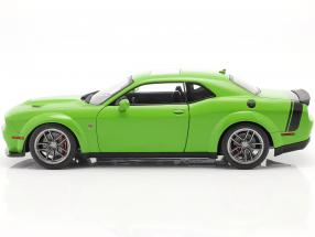 Dodge Challenger R/T Scat Pack Widebody 2020 green