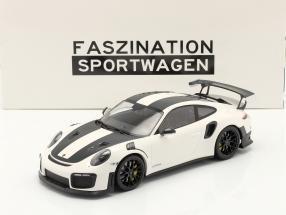 Porsche 911 (991 II) GT2 RS Weissach Package 2018 white / black rims 1:18 Minichamps