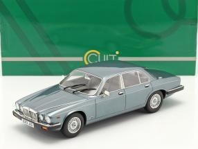 Jaguar XJ12 Sovereign SIII year 1986 light blue metallic 1:18 Cult Scale
