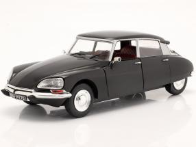 Citroen DS year 1972 black 1:18 Solido