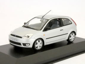 Ford Fiesta 3-door model 2001 silver 1:43 Minichamps