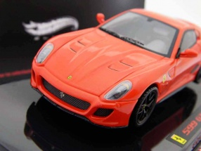 Ferrari 599 GTO scuderia rot / red 1:43 HW Elite