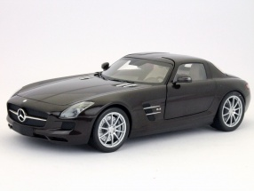 Mercedes-Benz SLS AMG built in 2010 brown metallic 1:18 Minichamps