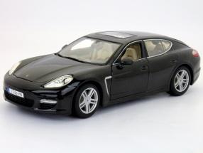 Porsche Panamera Turbo black 1:18 Maisto