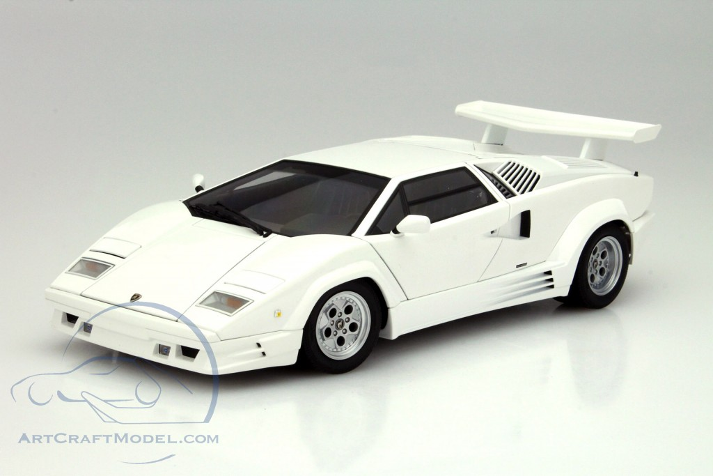 Lamborghini Countach 25th Anniversary Edition Year 1988 White