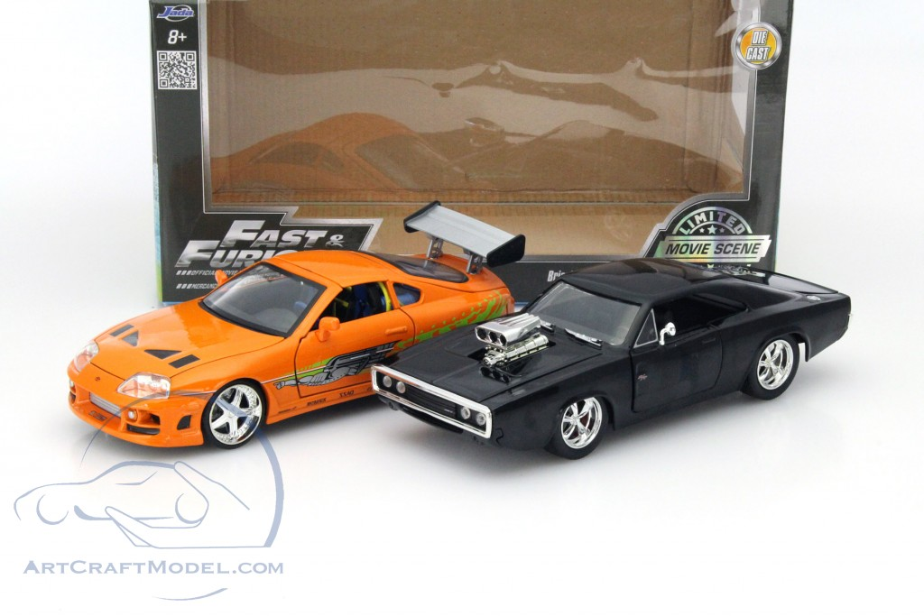 2 car set dom 39 s dodge charger r t and brian 39 s toyota supra schwarz orange jada toys 97503. Black Bedroom Furniture Sets. Home Design Ideas