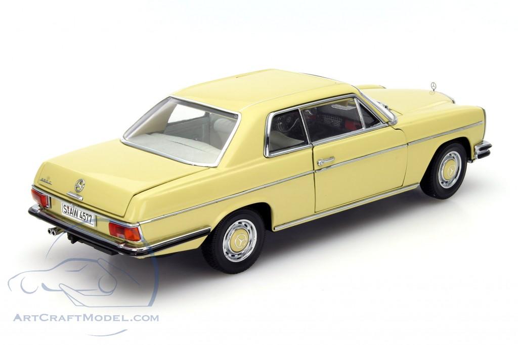 mercedes benz strich 8 coupe baujahr 1973 gelb sunstar 4577 ean 657440045773. Black Bedroom Furniture Sets. Home Design Ideas