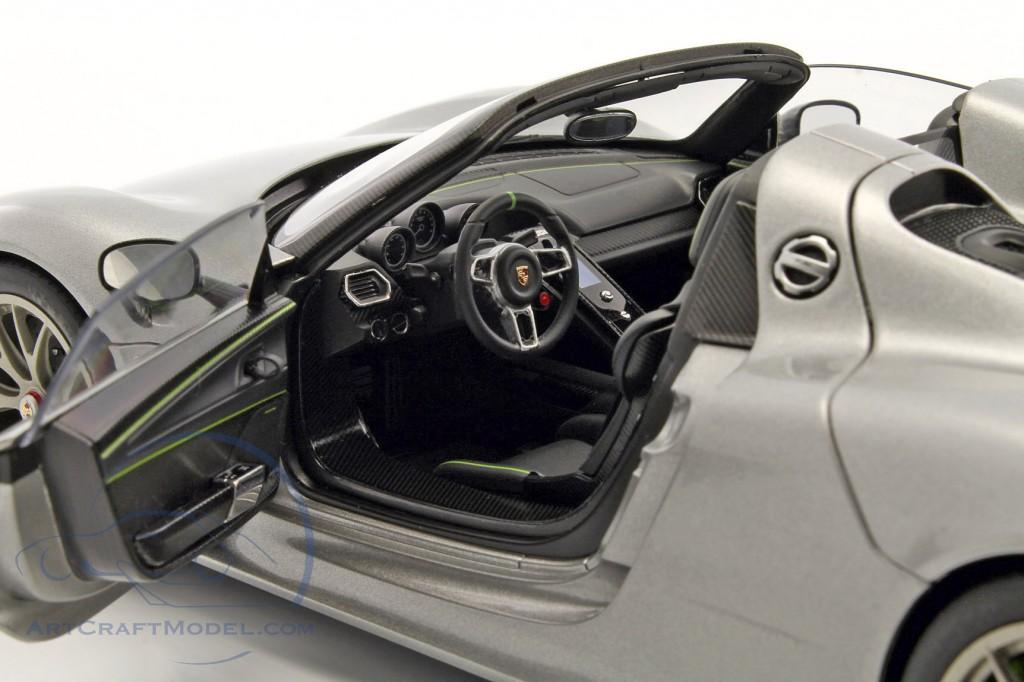 porsche 918 spyder weissach package year 2013 silver. Black Bedroom Furniture Sets. Home Design Ideas