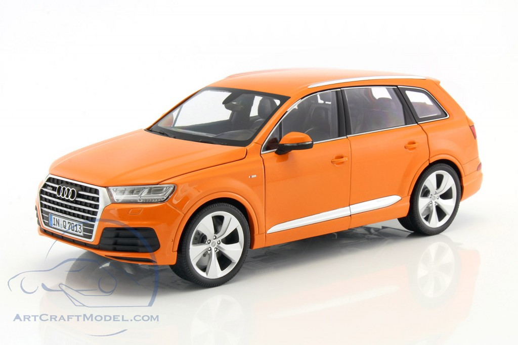 audi q7 baujahr 2015 orange 110014004 ean 4012138140103. Black Bedroom Furniture Sets. Home Design Ideas