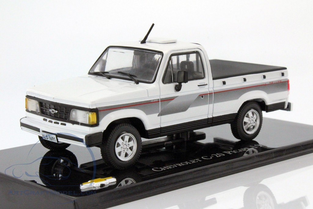 36d34a8a5f2e Chevrolet C-20 Pick-up year 1994 white   black - magChevyC-20