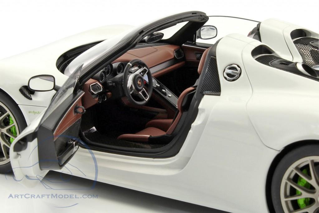 porsche 918 spyder weissach package year 2013 white. Black Bedroom Furniture Sets. Home Design Ideas
