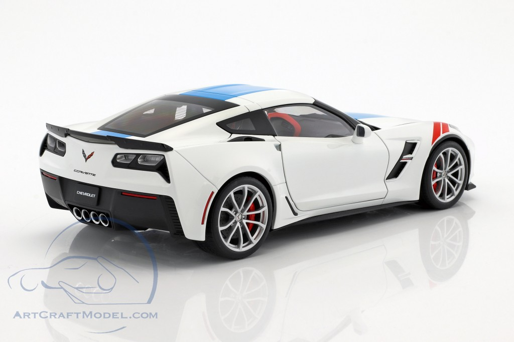 2017 White Corvette >> Chevrolet Corvette C7 Grand Sport Year 2017 White With Blue Stripes