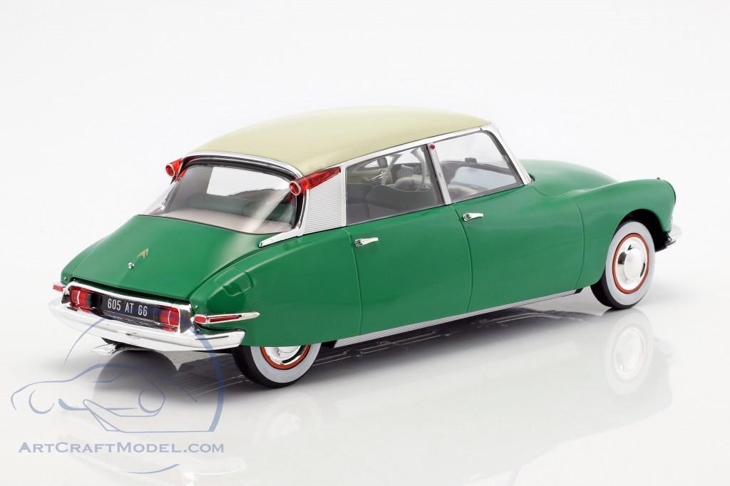 1956 1//43 Scale model Citroen DS19 green