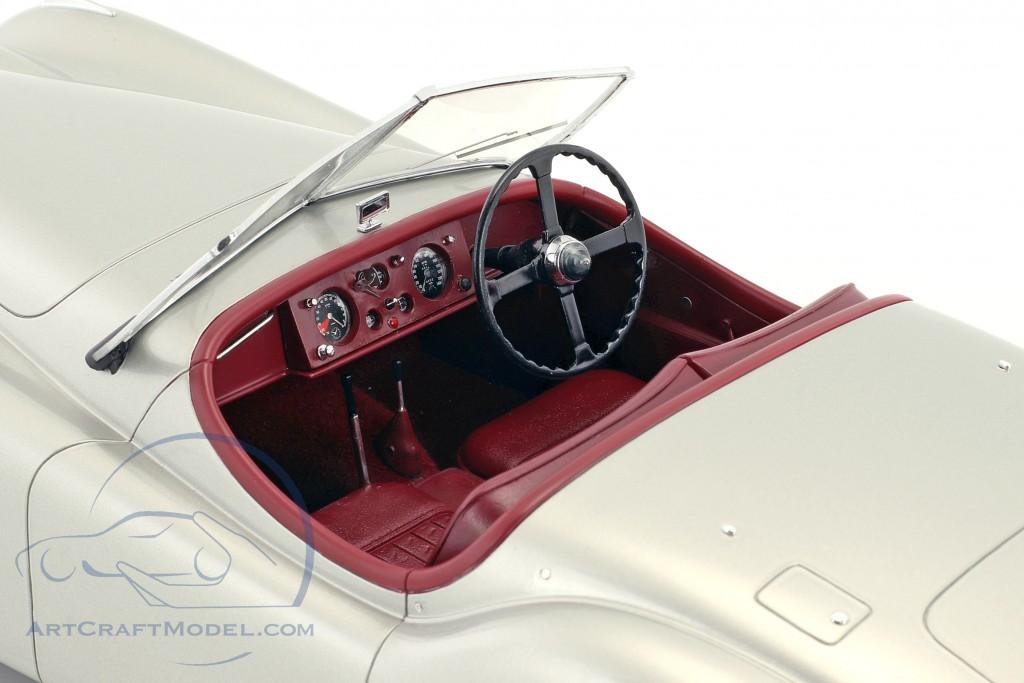 Jaguar XK 120 OTS Baujahr 1948-1954 silber