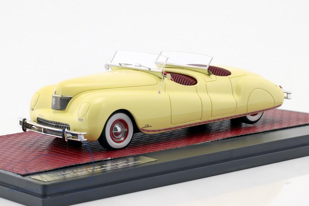 Chrysler Newport Dual Cowl Phaeton LeBaron Baujahr 1941 creme gelb