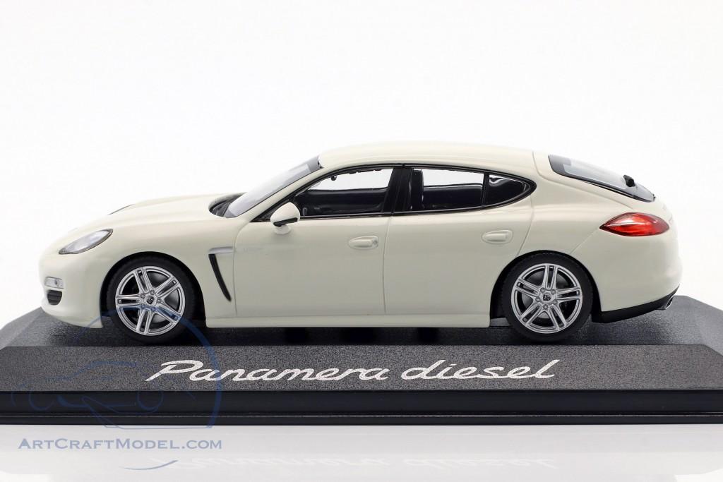 Porsche Panamera Diesel 2012 carrera white