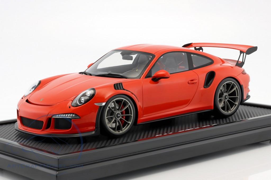 Porsche 911 (991) GT3 RS lava orange with showcase