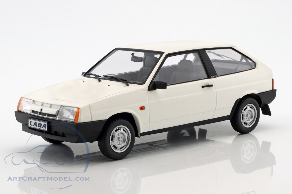 Lada Samara 1984 Beige 1:18 Model KK SCALE