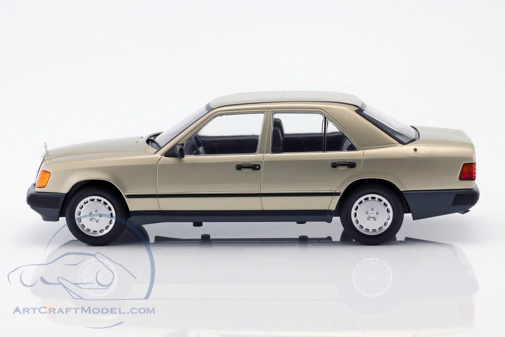 Baujahr 1984 gold metallic 1:18 Model Car Group W124 Mercedes-Benz 260 E