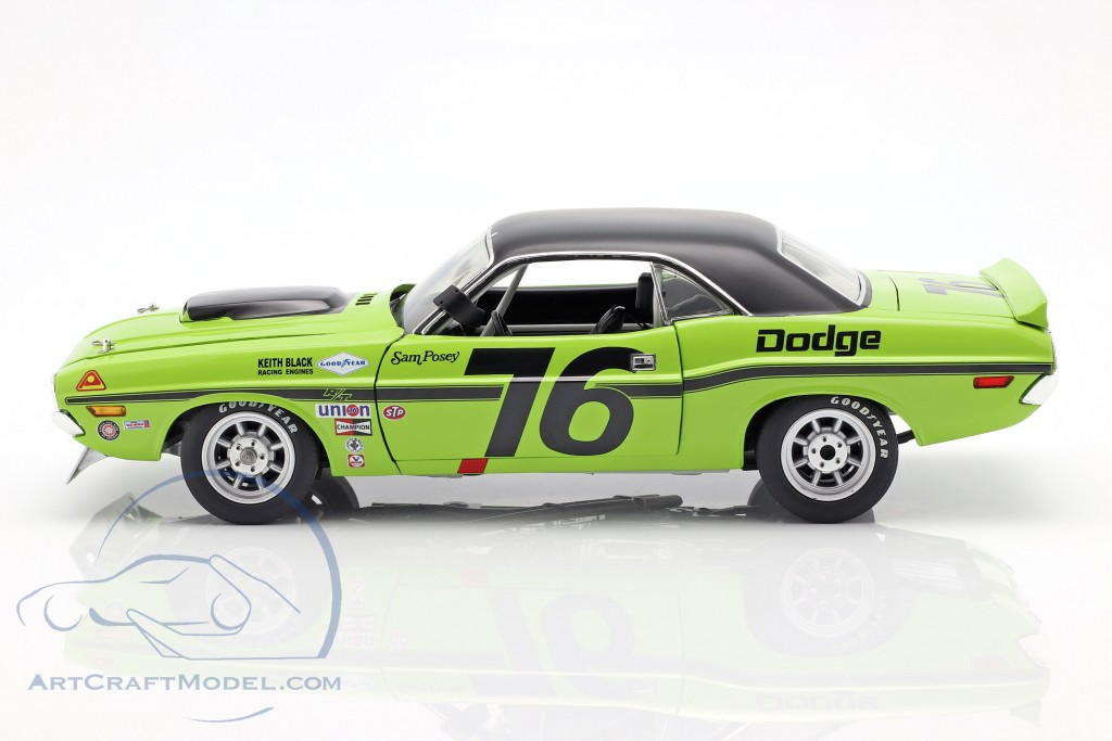 Dodge Challenger Trans Am #76 year 1970 Sam Posey  green / black