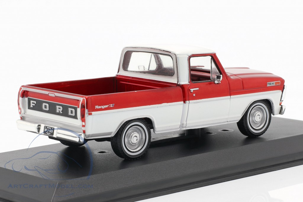 Ford F-100 Pick-Up Truck year 1970 red / white