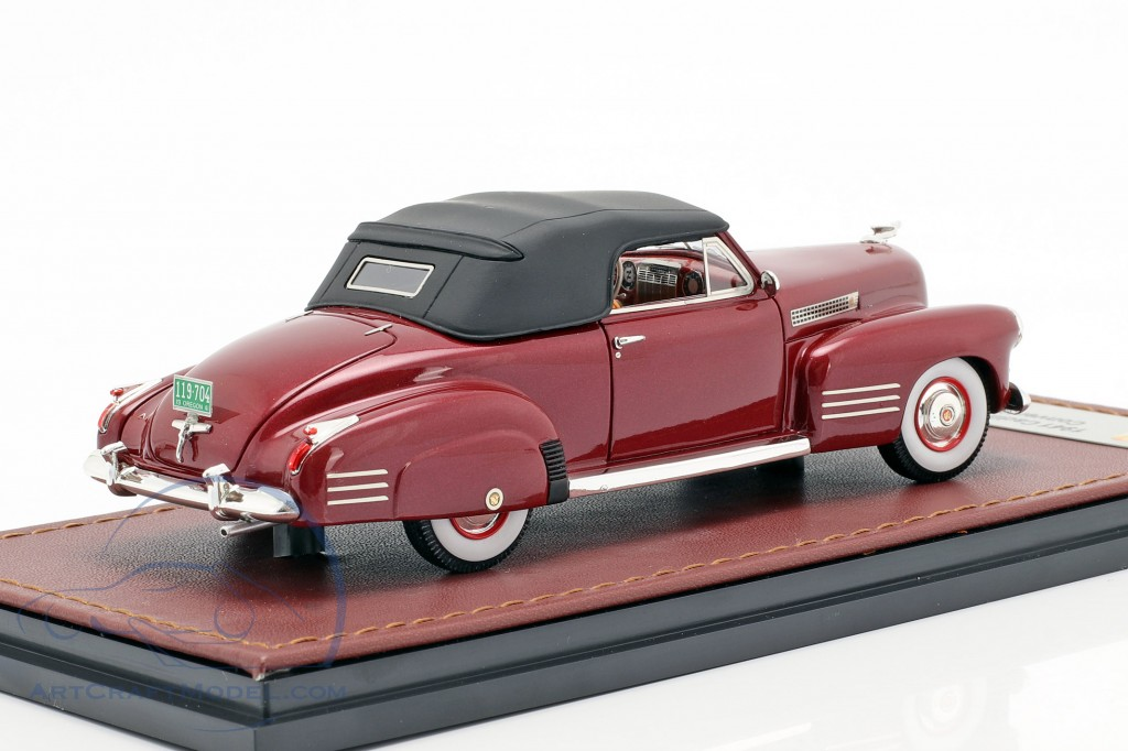 Cadillac Series 62 Convertible Closed Top year 1941 dark red  GLM