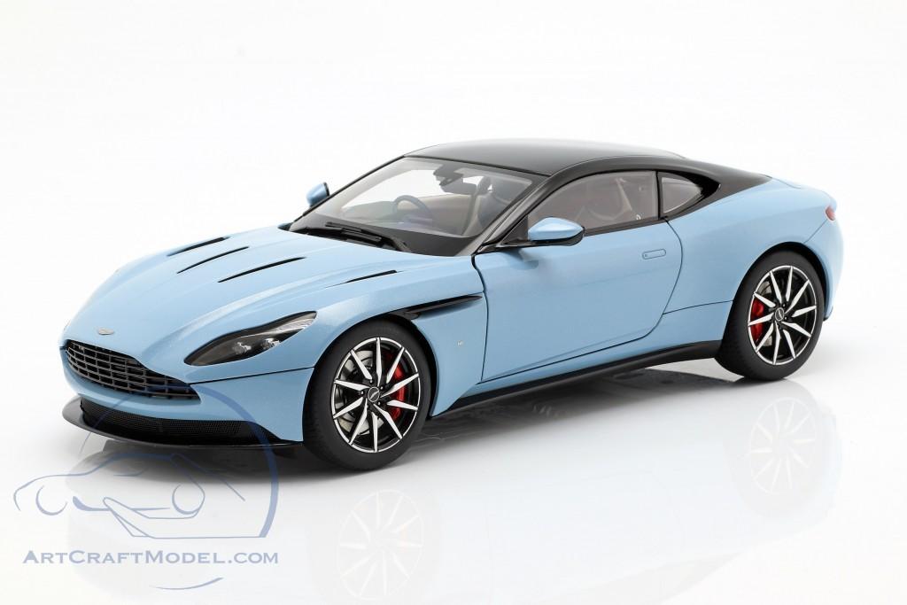 Aston Martin Db11 Coupe Baujahr 2017 Hellblau Metallic 70268 Ean 674110702682