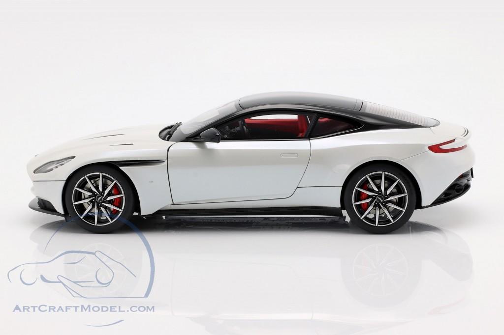 Aston Martin Db11 Coupe Year 2017 White Metallic 70266 Ean 674110702668