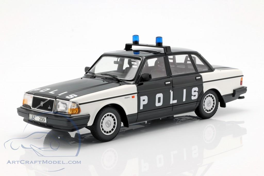 Volvo 240 GL Break police Sweden year 1986 black / white