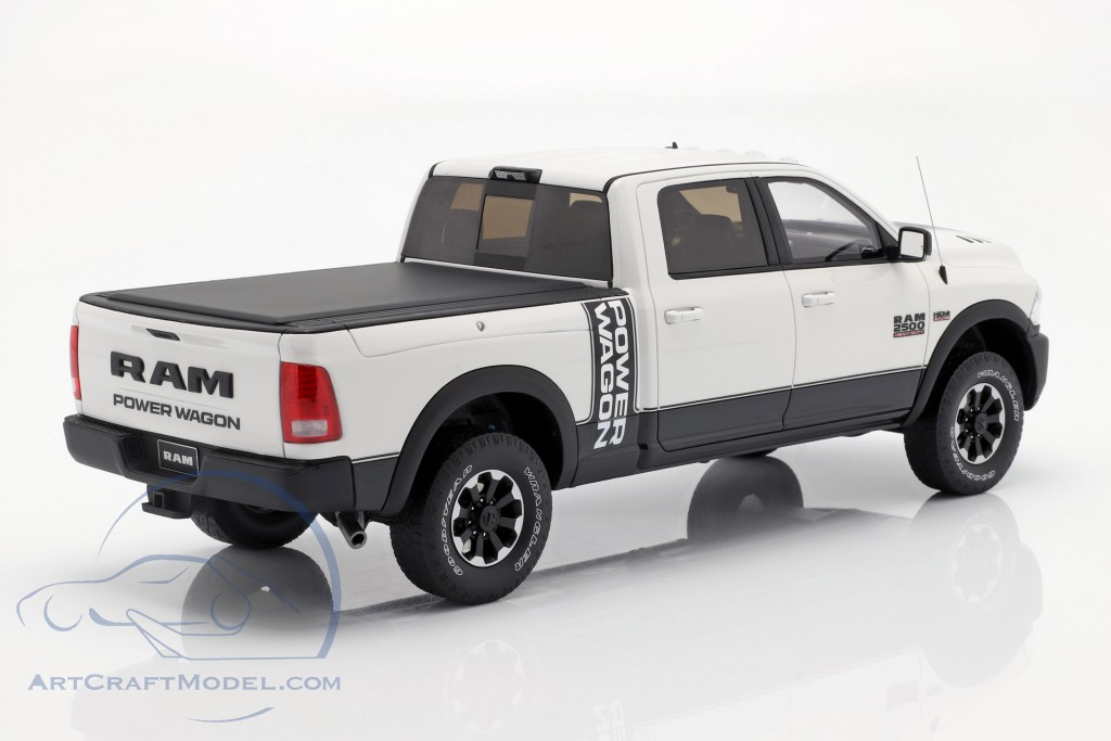 Dodge Ram 2500 Power Wagon year 2017 white 1:18 GT-SPIRIT