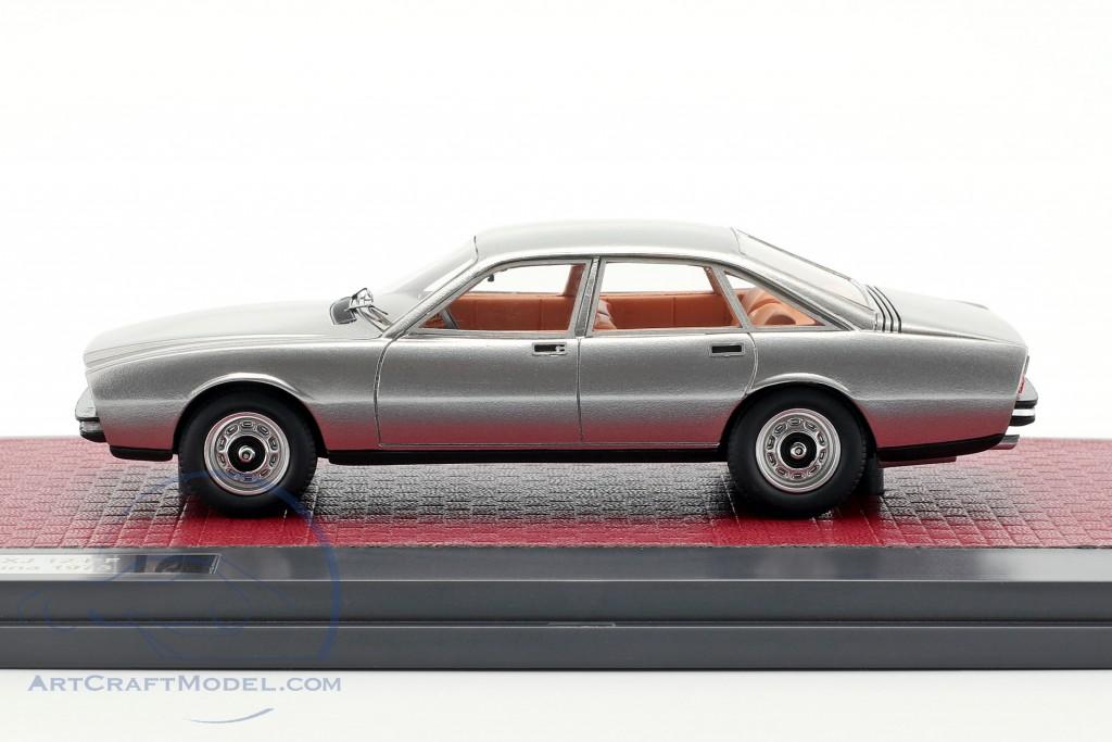 Jaguar XJ 12-PF Pininfarina year 1973 silver metallic
