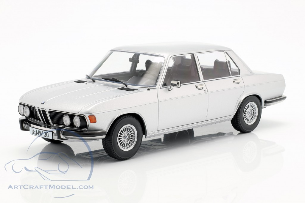BMW 3.0S E3 series 2 year 1971 silver