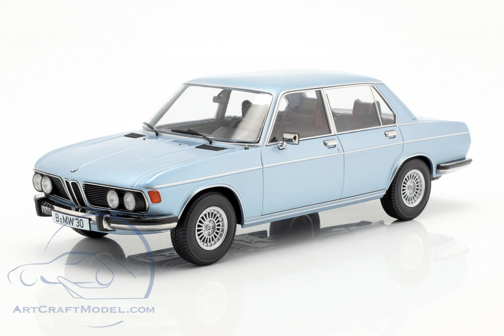 BMW 3.0S E3 series 2 year 1971 light blue