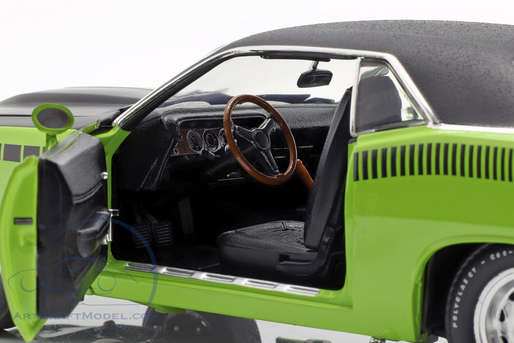 Plymouth Barracuda AAR with vinyl roof year 1970 sublime green