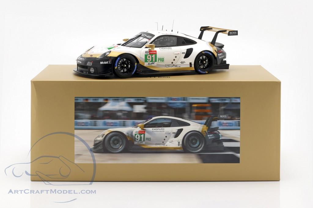 Porsche 911 RSR #91 worldchampion 24h LeMans 2019 With Showcase