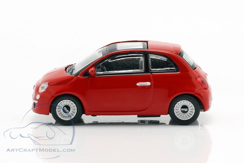 Fiat 500i year 2007 red